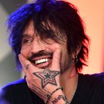 Tommy Lee: A Complete Biography